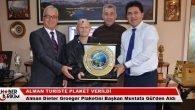 Alman Turiste Başkan Gül'den Plaket