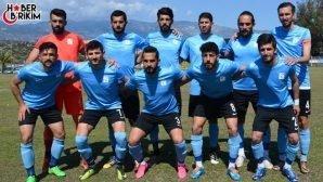 Manavgat Belediyespor Şampiyonluğa Göz Kırptı