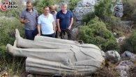 Antalya'da Atatürk Heykeli Çalılık Alana Atılmış Olarak Bulundu!