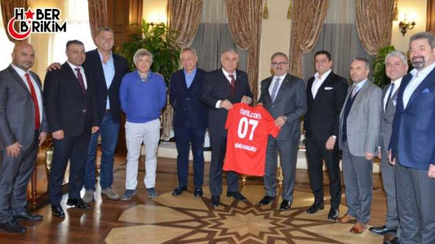 Vali Karaloğlu; Antalyanın Güçlü Bir Antalyaspor'a İhtiyacı Var